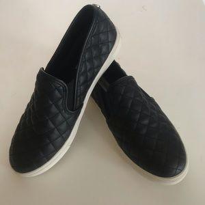 Steve Madden Ecentrcq Black Slip-on Shoes